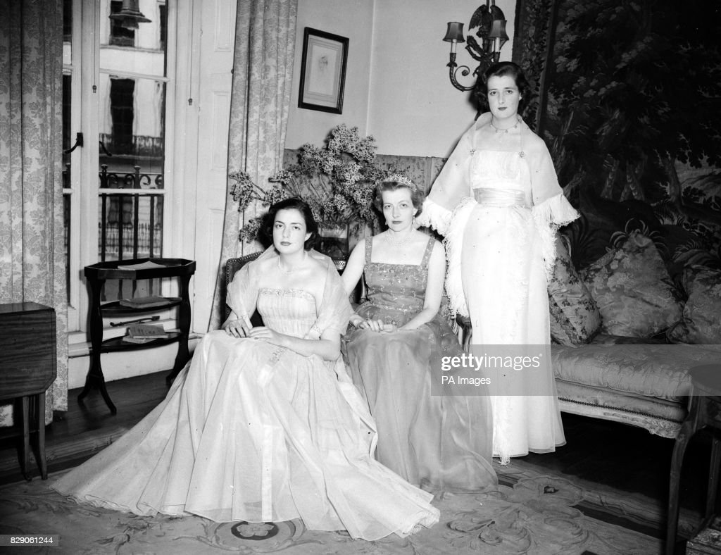 News - Coming Out Ball - Frances Shand-Kydd - 1953 : News Photo