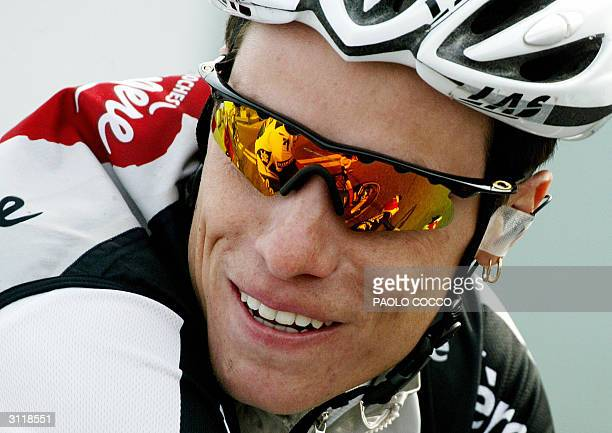 France's Sylvain Chavanel smiles as he rides during the 95th edition of MilanSan Remo cycling race 20 March 2004 Spain's Oscar Gomez Freire won the...
