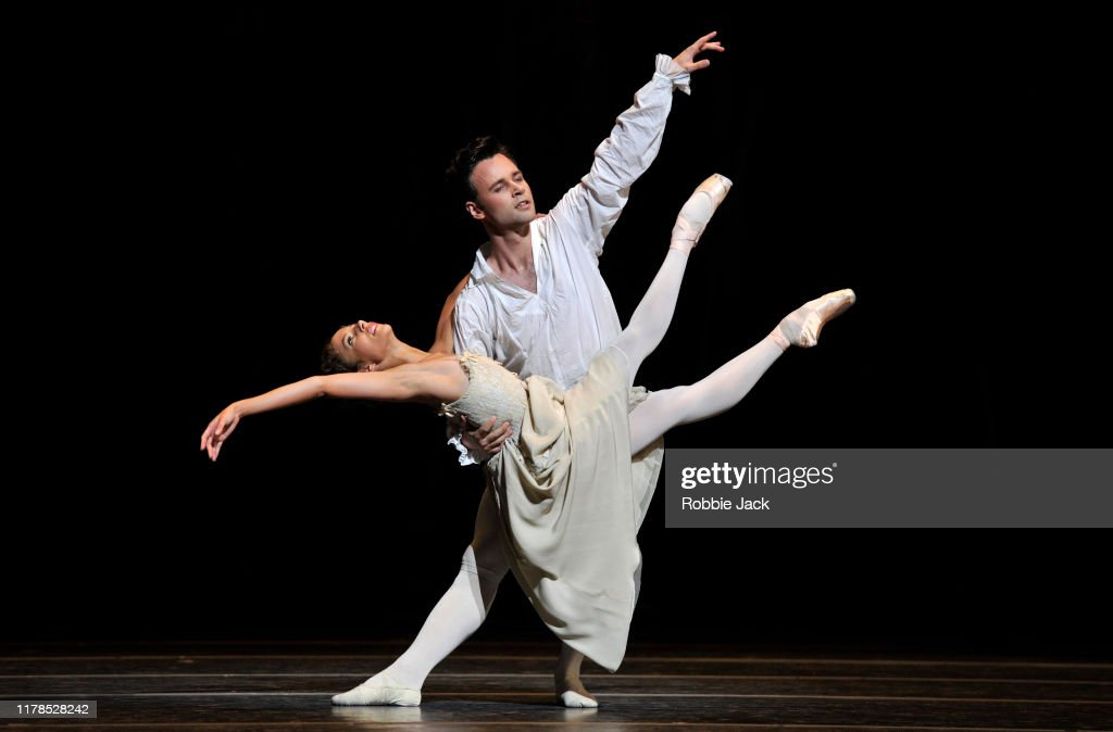 "The Royal Ballet's Production Of Kenneth MacMillan's ""Manon"" : News Photo"