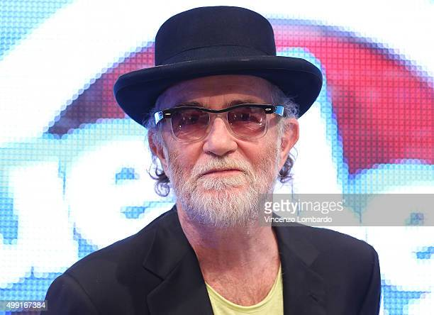Francesco De Gregori attends the Quelli Che Il Calcio Tv Show on November 29 2015 in Milan Italy