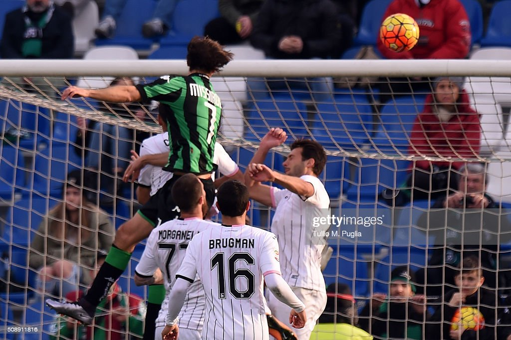 Francesco Magnanelli of Sassuolo scores his team's second goal during the Serie A match between US Sassuolo Calcio and US Citta di Palermo at Mapei Stadium - Città del Tricolore on February 7, 2016 in Reggio nell'Emilia, Italy.