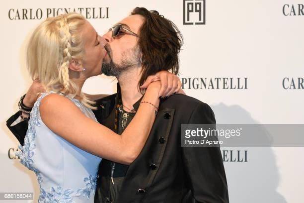 Francesco Sarcina e Clizia Incorvaia attends the Carlo Pignatelli Haute Couture fashion show on May 20, 2017 in Milan, Italy.