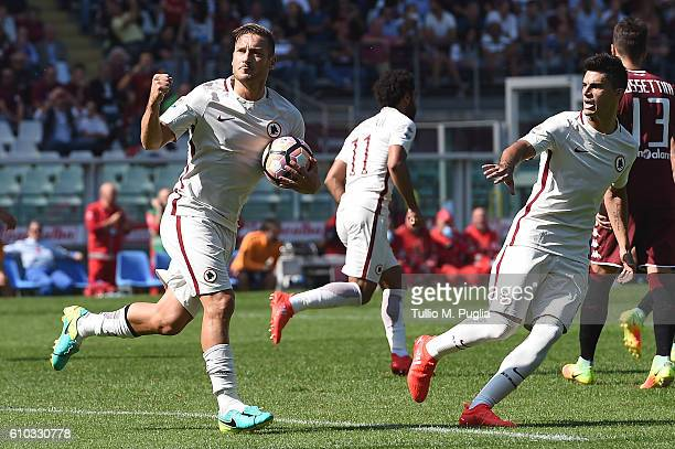 Francesco Totti 0f Roma celebrates after scoring a penalty during the Serie A match between FC Torino and AS Roma at Stadio Olimpico di Torino on...