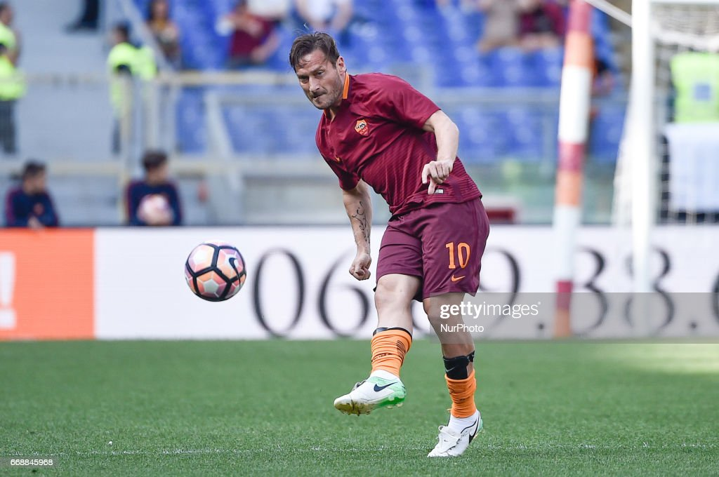 Francesco Totti of AS Roma during the italian Serie A match between Roma and Atalanta at the Olympic Stadium, Rome, Italy on 15 April 2017.