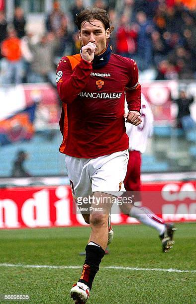 Francesco Totti of Roma celebrates scoring during the Serie A match between AS Roma and Livorno at the Stadio Olimpico on January 29, 2006 in Rome,...