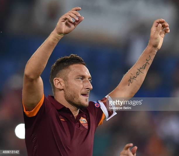 Francesco Totti of Roma celebrates the victory after the UEFA Champions League Group E match between AS Roma and PFC CSKA Moskva on September 17,...