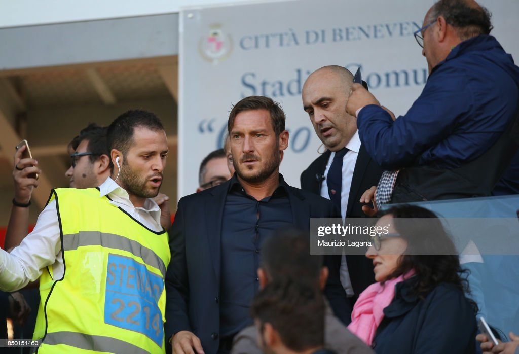Francesco Totti of Roma during the Serie A match between Benevento Calcio and AS Roma at Stadio Ciro Vigorito on September 20, 2017 in Benevento, Italy.