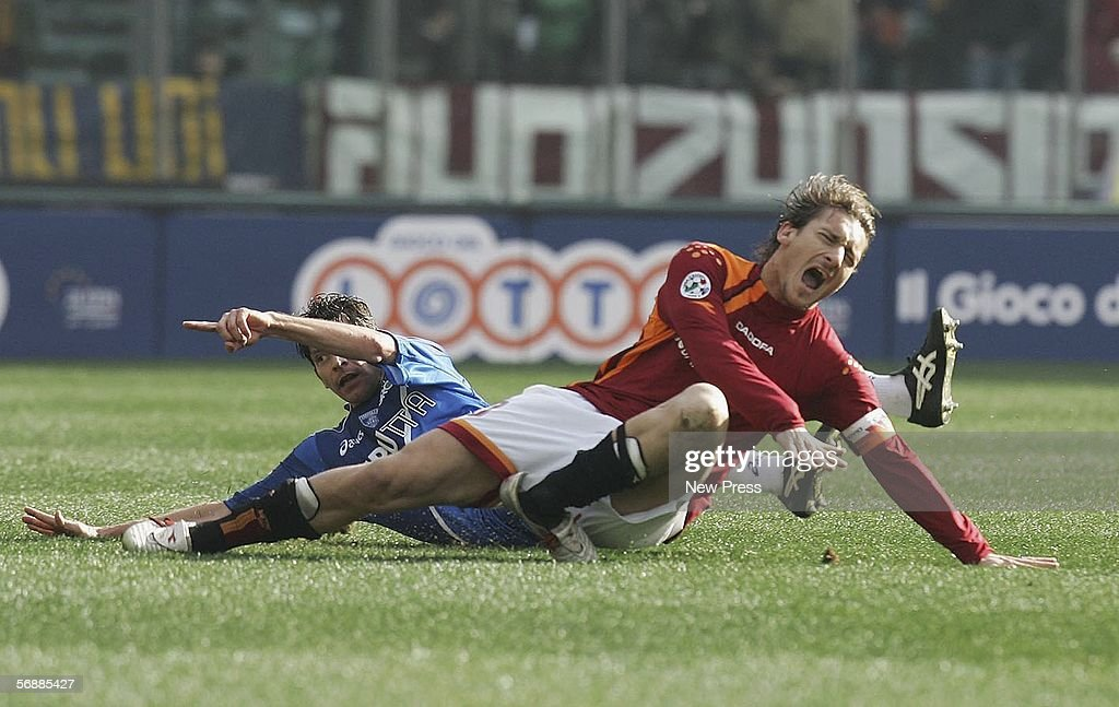 Francesco Totti of Roma sustains an injury in action during the Serie A match between AS Roma and Empoli at the Stadio Olimpico on February 19, 2005 in Rome, Italy.