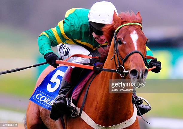 Franchoek and Richard Johnson win The Coral Future Champions Finale Juvenile Hurdle at Chepstow Racecourse on December 27 2007 in Chepstow Wales