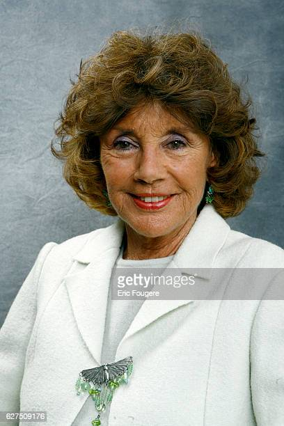 Francine Breaud Distel on the set of TV show Les Grands Duos
