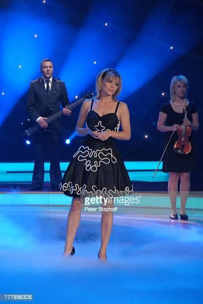 Francine Jordi ARD/ORFMusikshow 15 Preisverleihung Krone der Volksmusik Stadthalle Chemnitz Sachsen Deutschland Europa Auftritt Bühne SchlagerSängerin