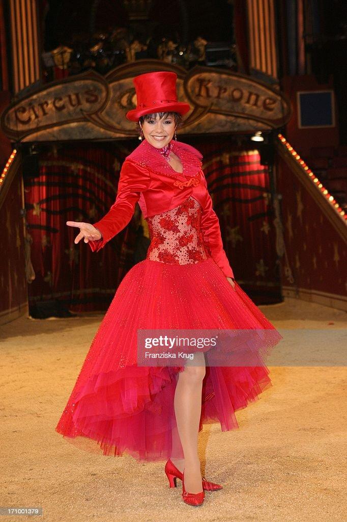 """Francine Jordi Bei Einem Fototermin Zu """"Stars In Der Manege"""" Im Circus Krone In  : News Photo"""