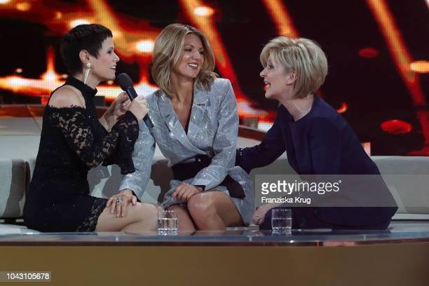 Francine Jordi Ella Endlich and Carmen Nebel during the television show 'Willkommen bei Carmen Nebel' at Velodrom on September 29 2018 in Berlin...