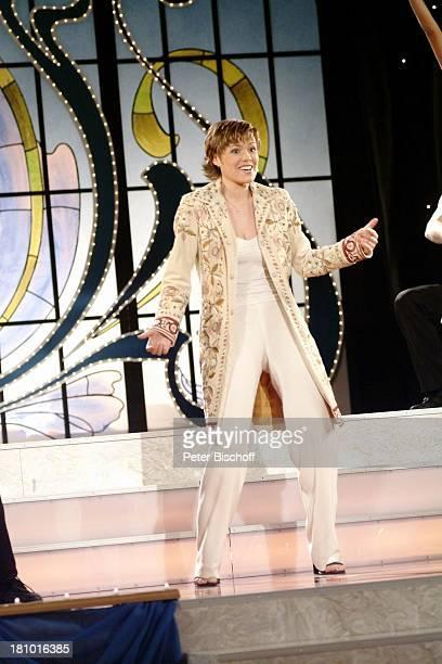 Francine Jordi MDRMusikshow 10 Jahre Zauberhafte Heimat Zwickau Konzerthaus Neue Welt Bühne Auftritt Sängerin Promis Prominenter Prominente