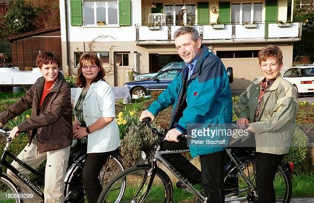 Francine Jordi Nicole Jordi Mutter Margrit Jordi Vater Franz Jordi Homestory Berner Oberland Schweiz Fahrrad Fahrräder Ausflugz