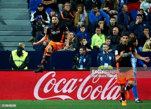 Francis Coquelin of Valencia celebrates after scoring goal during the La Liga match between Malaga and Valencia at Estadio La Rosaleda on February 17...