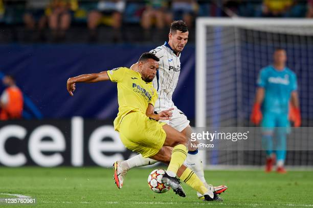 Francis Coquelin of Villarreal and Remo Freuler of Atalanta compete for the ball during the UEFA Champions League group F match between Villarreal CF...