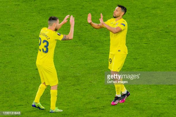 Francis Coquelin of Villarreal CF celebrates after scoring his team's eighth goal with teammates during the UEFA Europa League Final between...