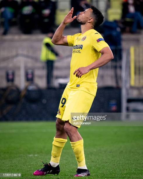 Francis Coquelin of Villarreal CF celebrates during a penalty shootout during the UEFA Europa League Final between Villarreal CF and Manchester...