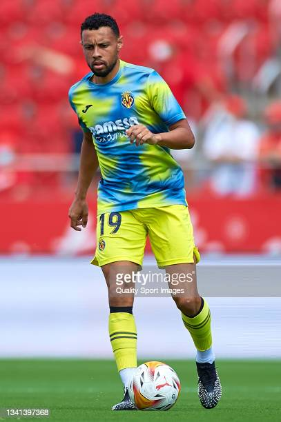 Francis Coquelin of Villarreal warms up prior to the LaLiga Santander match between RCD Mallorca and Villarreal CF at Estadio de Son Moix on...