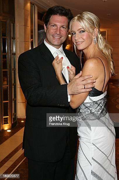 Francis Fulton Smith Und Ehefrau Verena Fulton Smith Bei Der United People Charity Night2006 Zugunsten PowerChild Im Hotel Bayrischen Hof In München