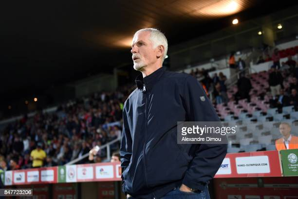 Francis Gillot Coach of Auxerre during the Ligue 2 match between Nimes and Aj auxerre on September 15 2017 in Nimes France