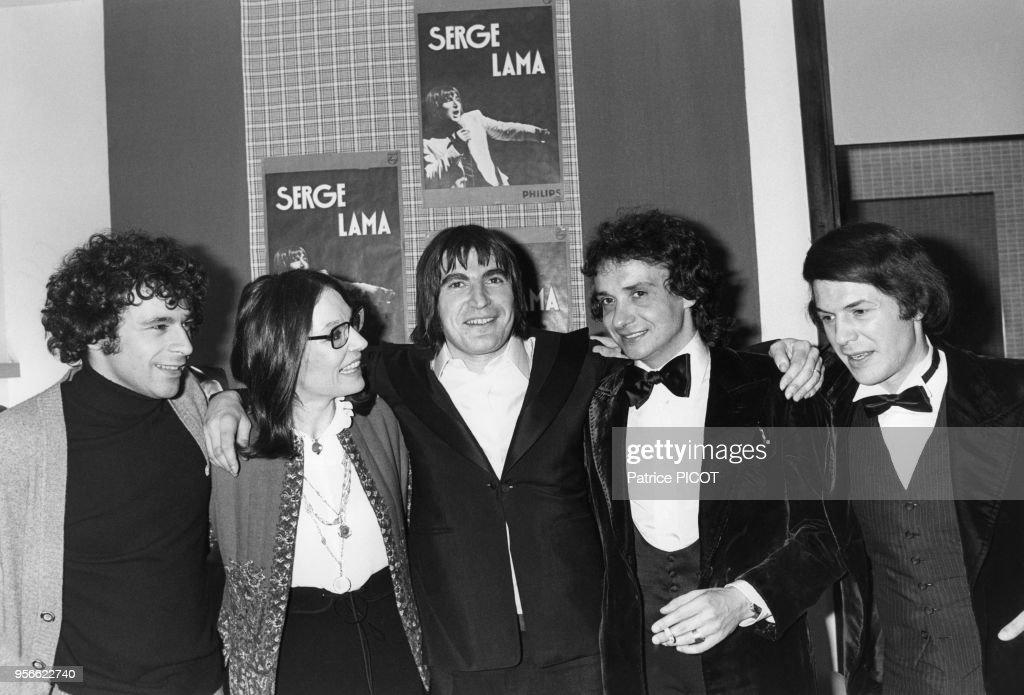 Serge Lama au Palais des Congrès en 1977 : News Photo