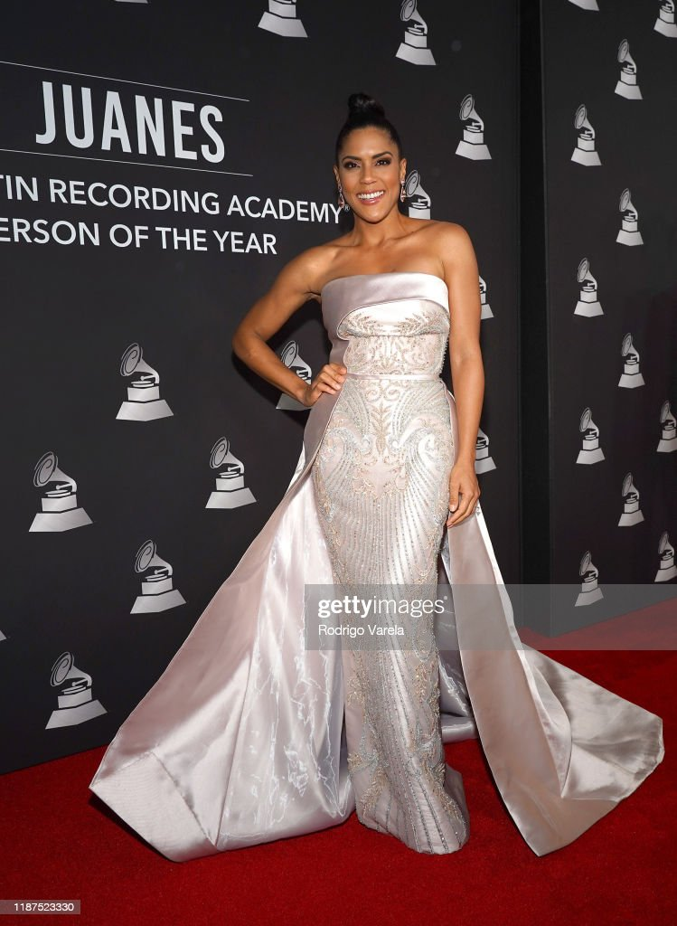 The 20th Annual Latin GRAMMY Awards – Person Of The Year Gala - Red Carpet : News Photo