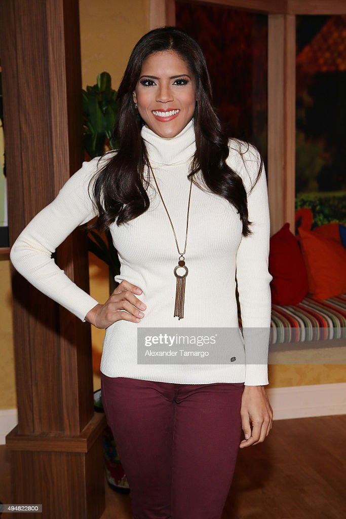 Celebrities On The Set Of Univision's Despierta America : News Photo
