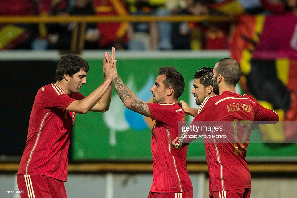 Francisco Alcacer (2ndR) of Spain celebrates scoring their opening goal with teammates during the international friendly match between Spain and Costa Rica at Reino de Leon Stadium on June 11, 2015 in Leon, Spain.