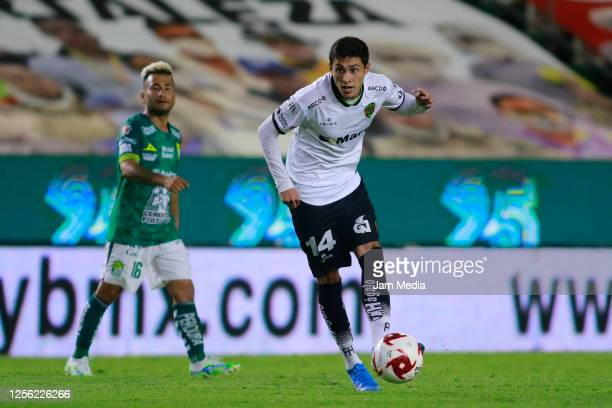 Francisco Contreras of Juarez controls the ball during a match between Leon and FC Juarez as part of the friendly tournament Copa Telcel at Leon...
