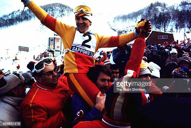 Francisco Fernandez Ochoa of Spain celebrates the gold medal in the Men's Slalom at Mt Teine Alpine Skiing Course during the 1972 Sapporo Winter...