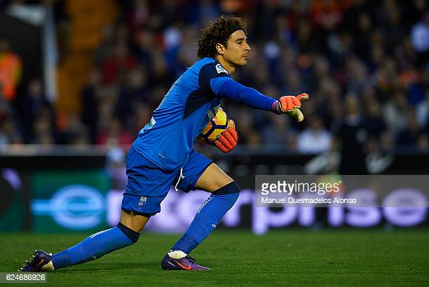 Francisco Guillermo Ochoa of Granada in action during the La Liga match between Valencia CF and Granada CF at Mestalla Stadium on November 20 2016 in...