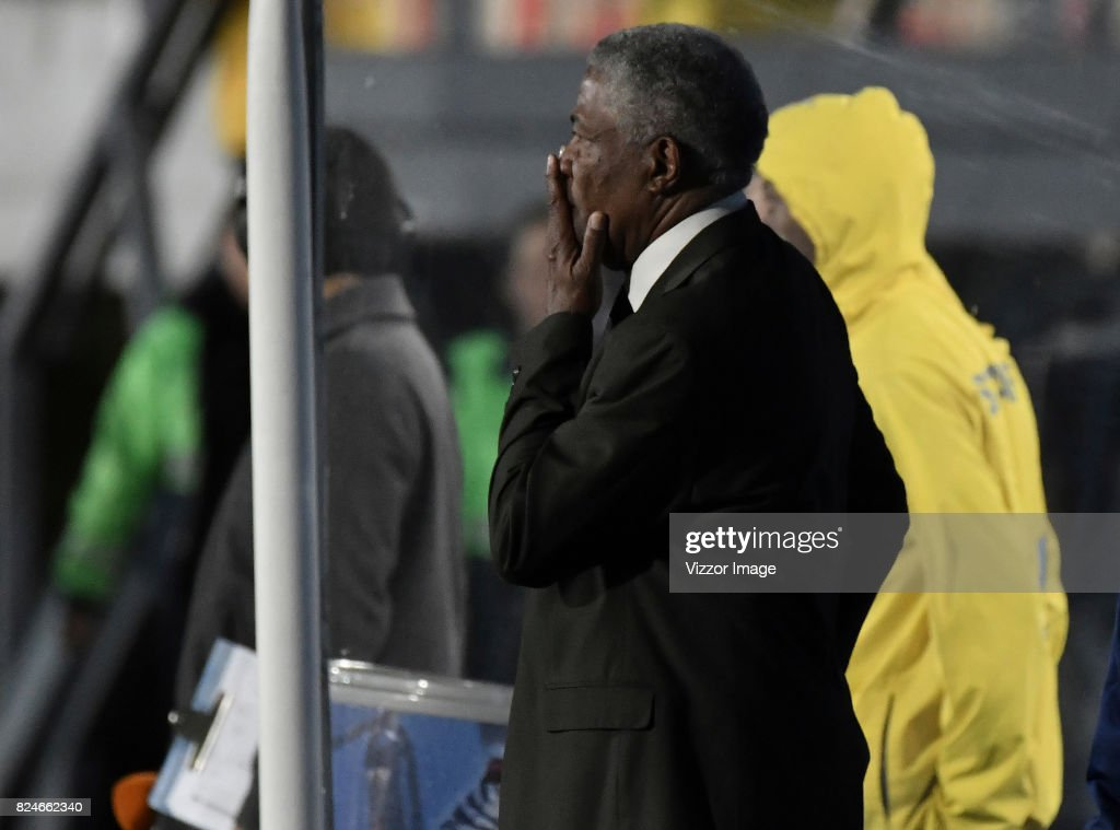 Francisco Maturana, coach of Once Caldas, gestures during a match between Independiente Santa Fe and Once Caldas as part of the 5th round of the Liga Aguila II 2017 at Nemesio Camacho Stadium on July 30, 2017 in Bogota, Colombia.