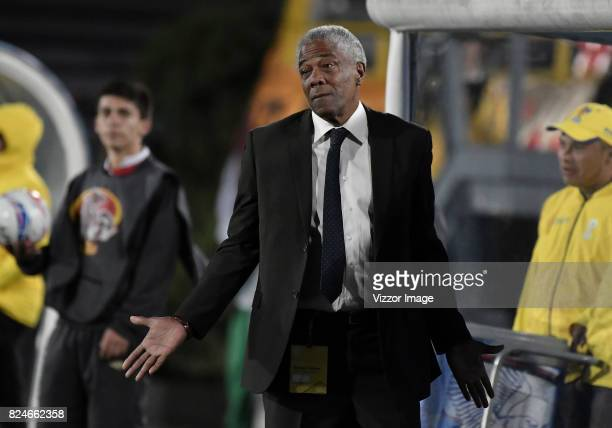 Francisco Maturana coach of Once Caldas gestures during a match between Independiente Santa Fe and Once Caldas as part of the 5th round of the Liga...