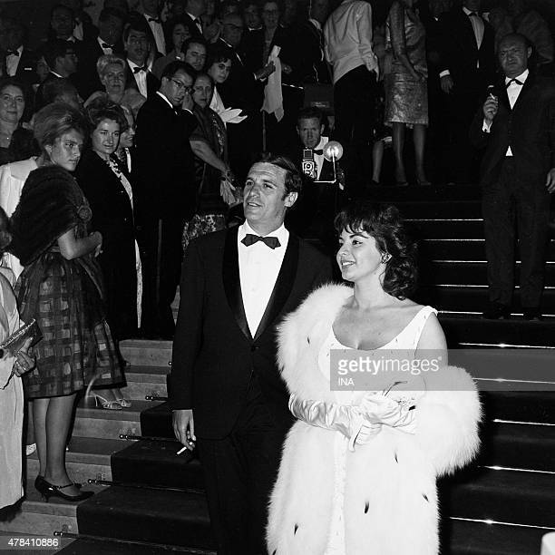 Francisco Rabal and Isabel Sarli on the walking of the palace for the Argentine movie Setenta toilet siete presented to the Cannes film festival