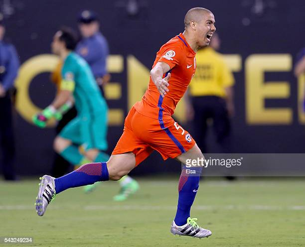 Francisco Silva of Chile celebrates after he scored the match winning penalty kick against Argentina during the Copa America Centenario Championship...