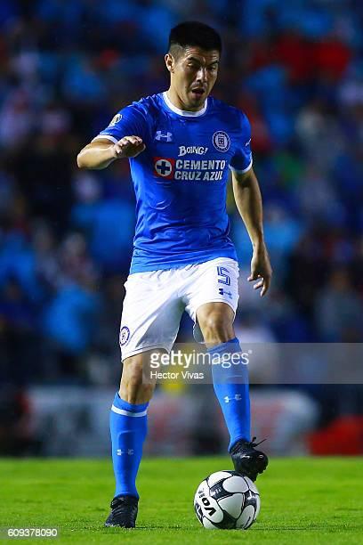 Francisco Silva of Cruz Azul drives the ball during the 10th round match between Cruz Azul and Toluca as part of the Torneo Apertura 2016 Liga MX at...