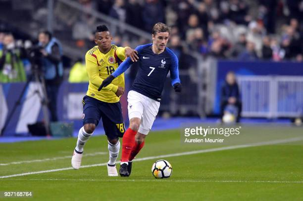Franck Fabra of Colombia and Antoine Griezmann of France fight for the ball during the international friendly match between France and Colombia at...