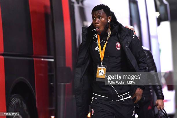 Franck Kessie of AC Milan arrives before the UEFA Europa League Round of 32 match between AC Milan and Ludogorets Razgrad at the San Siro on February...