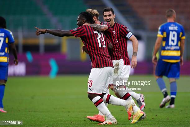 Franck Kessie of Ac Milan celebrate after scoring a goal during the Serie A match between Ac Milan and Parma Calcio Ac Milan wins 31 over Parma Calcio