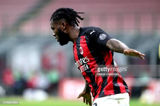 Franck Kessie of Ac Milan celebrate after scoring a goal during the Serie A match between Ac Milan and Hellas Verona. The match end in a tie 2-2.