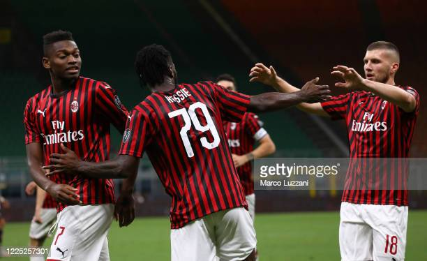 Franck Kessie of AC Milan celebrates his goal his teammates during the Serie A match between AC Milan and Juventus at Stadio Giuseppe Meazza on July...