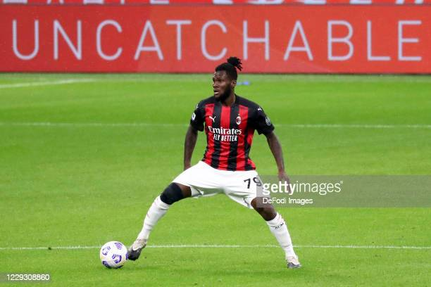 Franck Kessie of AC Milan controls the ball during the Serie A match between AC Milan and AS Roma at Stadio Giuseppe Meazza on October 26 2020 in...