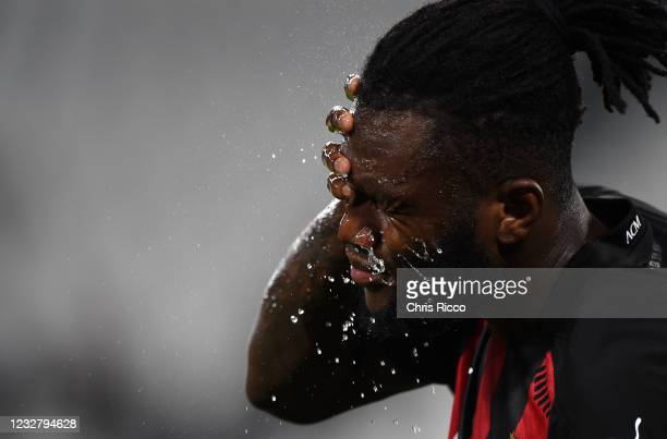 Franck Kessie of AC Milan cools off during the Serie A match between Juventus and AC Milan at Allianz Stadium on May 9, 2021 in Turin, Italy....