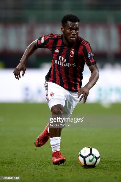 Franck Kessie of AC Milan in action during the Serie A football match between AC Milan and Benevento Calcio Benevento Calcio won 10 over AC Milan