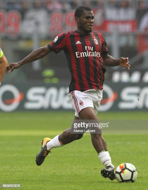 Franck Kessie of AC Milan in action during the Serie A match between AC Milan and Genoa CFC at Stadio Giuseppe Meazza on October 22 2017 in Milan...