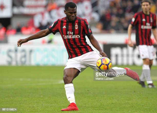 Franck Kessie of AC Milan in action during the Serie A match between AC Milan and Torino FC at Stadio Giuseppe Meazza on November 26 2017 in Milan...