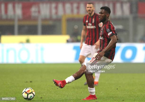 Franck Kessie of AC Milan in action during the Serie A match between AC Milan and FC Internazionale at Stadio Giuseppe Meazza on April 4 2018 in...