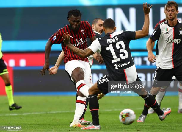 Franck Kessie of AC Milan scores his goal during the Serie A match between AC Milan and Juventus at Stadio Giuseppe Meazza on July 7 2020 in Milan...